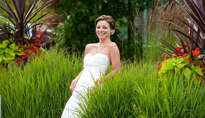 bride-in-the-grasses
