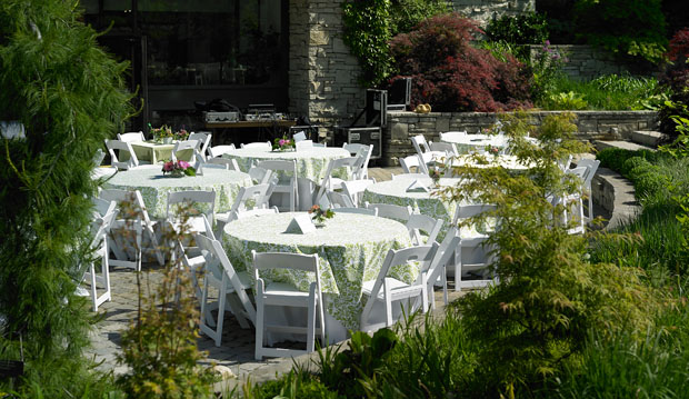 garden hall courtyard with white tables