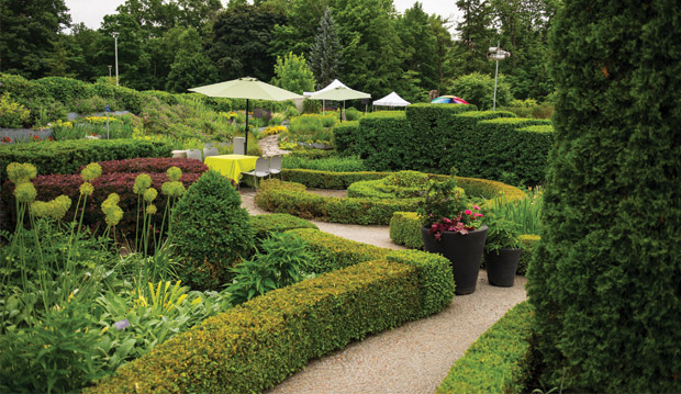 Knotgarden for Botanical gardens hours today