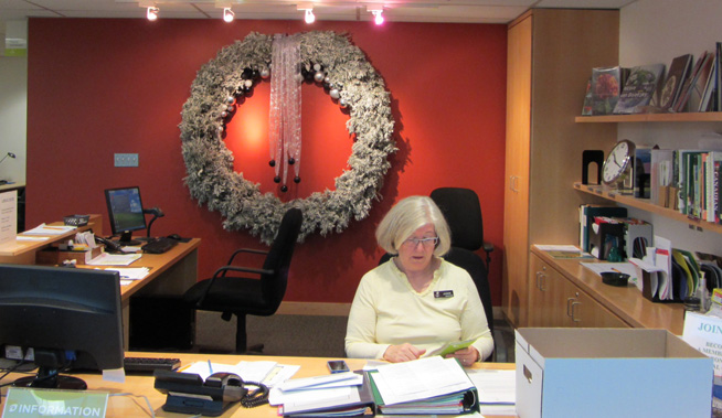 wreath-behind-desk